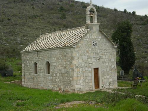 Храм Преображенија Христова у Клепцима подигнута 1857. године