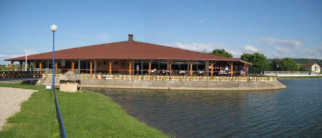 Ресторан Језеро