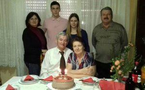 Божо са супругом Олгом и породицом обележава 85. рођендан