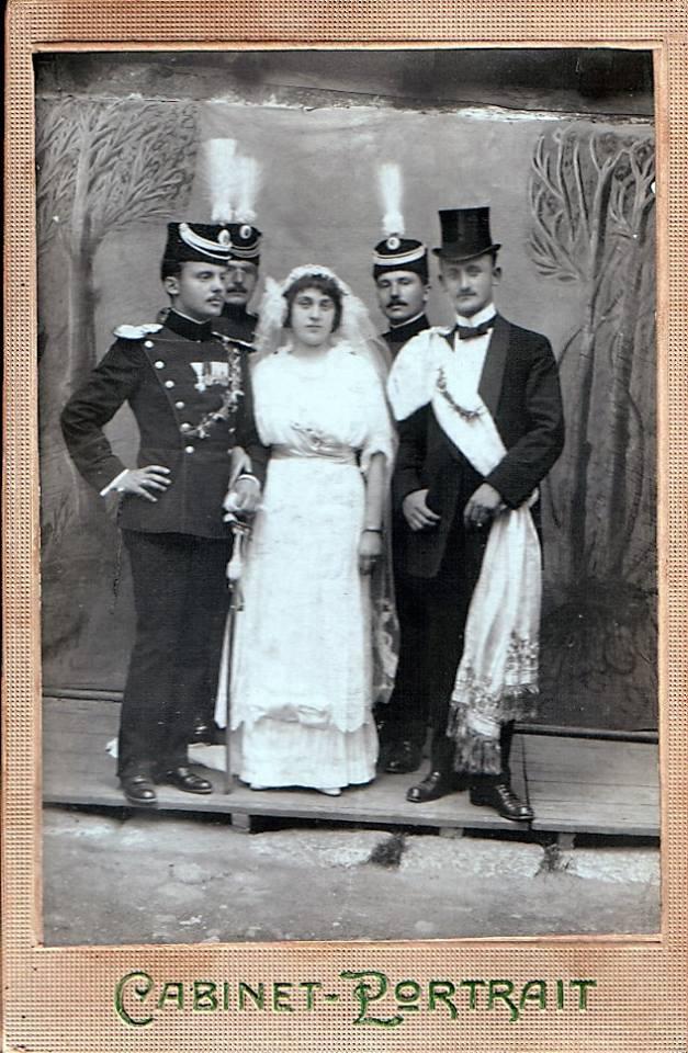 ДЕСА И ДР ДОБРИВОЈЕ МИТРОВИЋ НА ВЕНЧАЊУ У ПРИЗРЕНУ 13,ЈУЛА 1914.