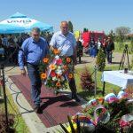 На градском гробљу Пучиле у Бијељини данас је обиљежен Дан сјећања на 33 борца Војске Републике Српске који су убијени 21. априла 1993. године на Бањ брду и све погинуле и умрле борце у одбрамбено-отаџбинском рату од 1992. до 1995. године са подручја регије Тузла.
