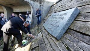 Огњен Краус и хрватски рабин Луциано Мосе Прелевић у Јасеновцу на алтернативној комеморацији