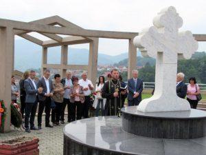 Na Spomen-kosturnici u Banjaluci služen je parastos i položeni vijenci za 626 poginulih boraca sa područja opštine Prnjavor.