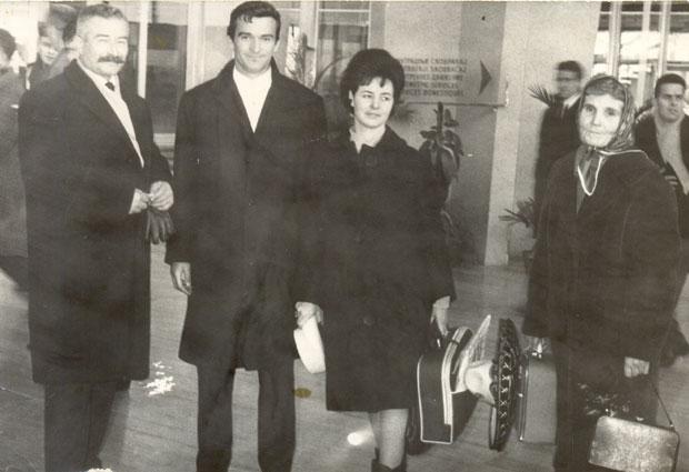 Милутин са оцем Јеремијом, сестром Олгом и мајком Радунком