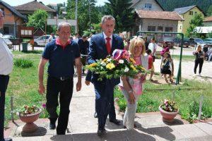 Борачке организације општине Пале Михајло Парађина положио је вијенац на мјесном спомен-обиљежју у насељу Стара Станица на Палама.
