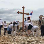 Постављање спомен крста Фото: Јадовно 1941