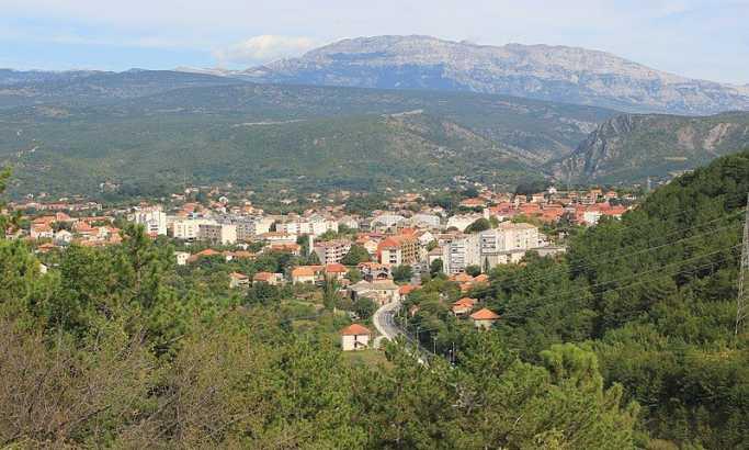 Knin i Dinara commons.wikimedia.org