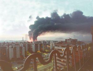 Bombardovanje toplane na Novom Beogradu 4. aprila 1999. godine (Foto EPA/Saša Stanković)
