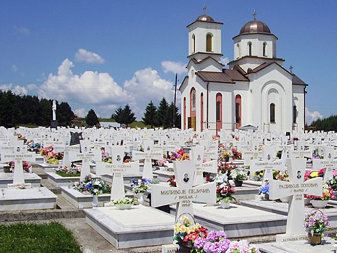 Hram Svete Petke na Vojničkom spomen-groblju Mali zejtinlik (Foto: palelive.com)
