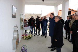 Dodik posjetio je danas u selu Sijekovac kod Broda Milju Zečević