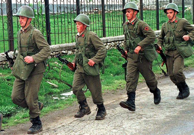 Vojska Albanije je napadala položaje VJ uz granicu (Foto EPA/Armando Babani)
