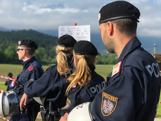 Autrijska policija u Blajburgu  (Foto: RTS/Vladimir Banić)Foto: RTS