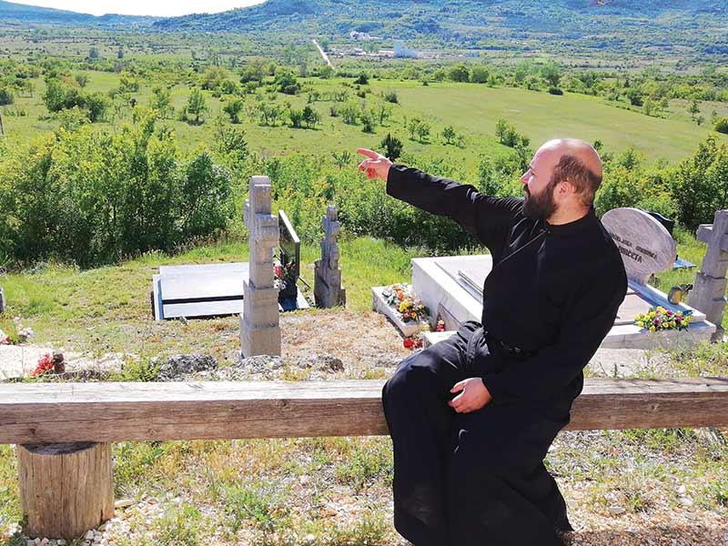 Miočić sveštenik otac Milan Radusin