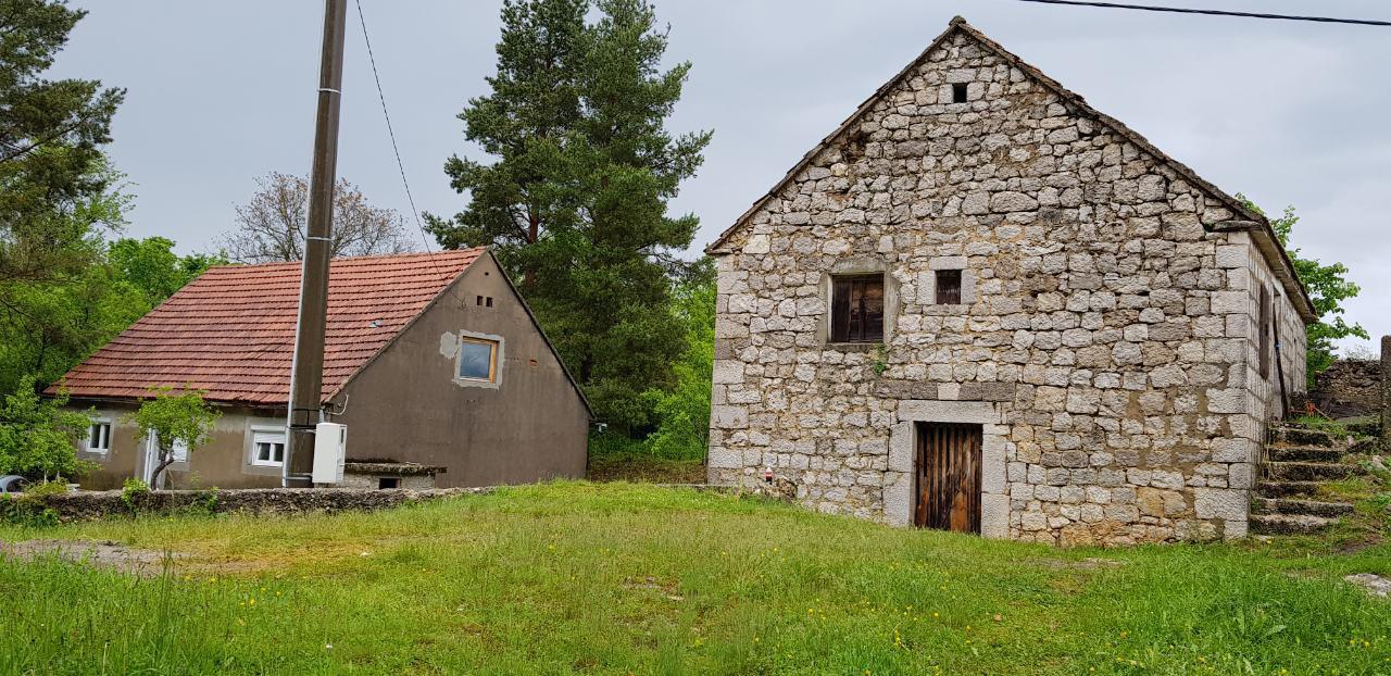 Ливно - село Губин - обнова куће Фото: СРНА