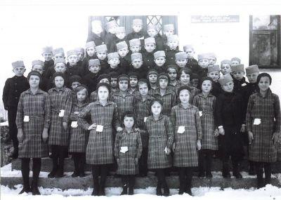 "Obučena deca Društva ""Beda"" – 07. januar 1934."