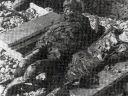 U knjizi na strani 150-a Ostrvo Pag, ekshumirani leševi dviju djevojčica iz masovne grobnice