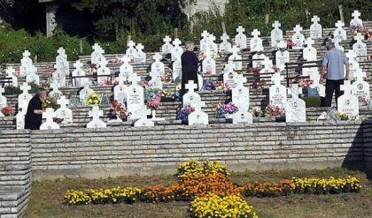 Vojničko groblje u Bratuncu