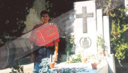 Davor Šuker na grobu Ante Pavelića