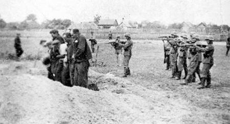 Njemački vojnici ubijaju srpske civile