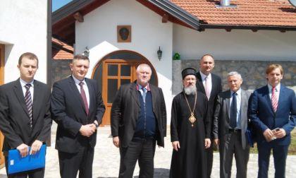 Episkop Atanasije sa ministrom za izbjeglice i raseljena lica RS Davorom Čordašom
