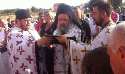 Episkop Fotije sa sveštenicima, Foto Višnja Kleut