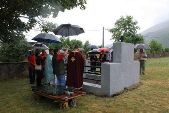 Osvećenje obnovljenog spomenika u Gubinu