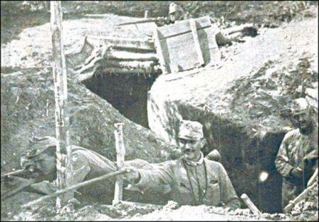Stariji vodnik Broz s puškom u ruci na srpskom frontu