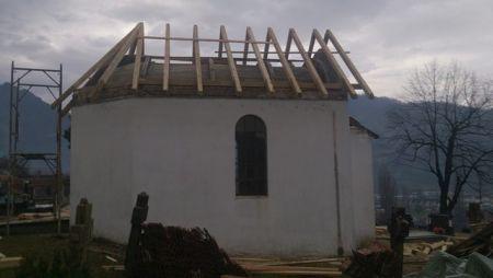 Kapela posvećena Sv. Vasiliju Tvrdoškom i Ostroškom na pravoslavnom groblju Musala u Konjicu.