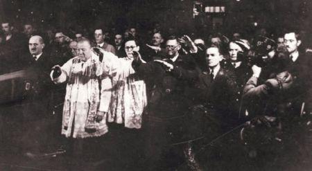 Католички свештеници и усташе