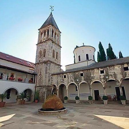 Manastiru Krka je vraćena umetnička zbirka (Foto Eparhija dalmatinska)