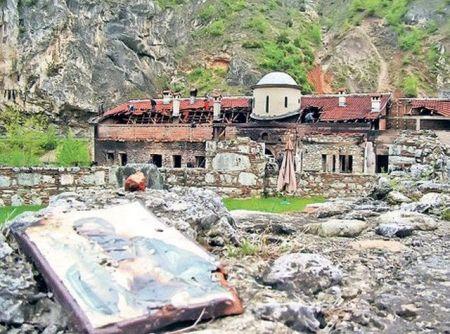 Obnova manastira Svetih arhangela kod Prizrena, uništenog u pogromu u martu 2004. godine (Foto Ž. Rakočević)