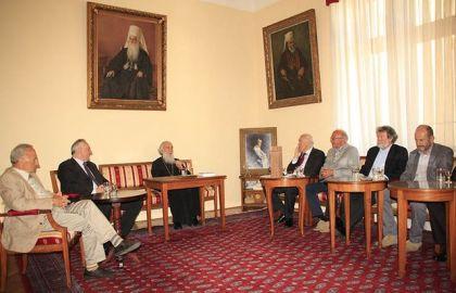 Миленко Јахура са представницима херцеговачких удружења на састанку са Патриjархом Иринеjом уочи Херцеговачке академиjе