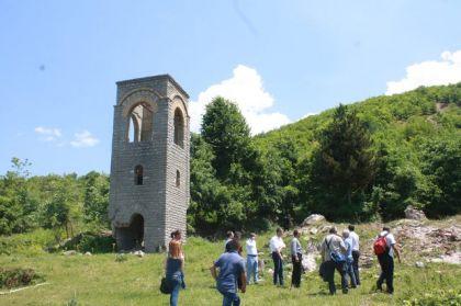 Minirani zvonik Crkve Svete Bogorodice u Suvoj Reci