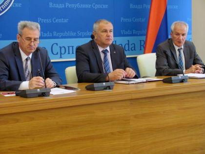 Ministar Milenko Savanović na današnjoj konferenciji za novinare