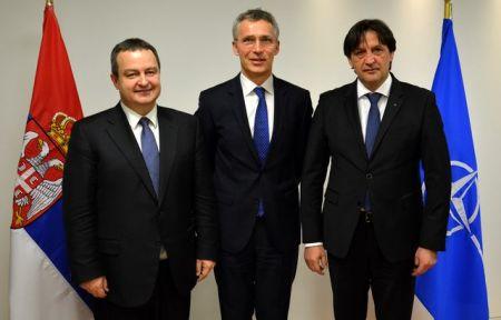 Ministar spoljnih poslova i ministar odbrane Republike Srbije u posjeti štabu NATO-a