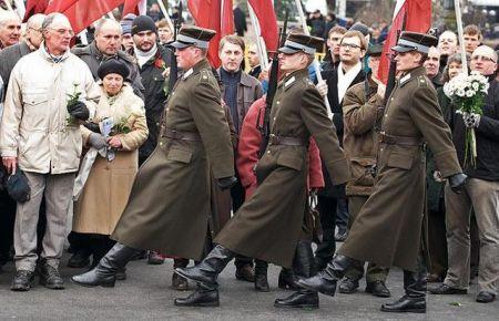Neonacisti marširaju u Litvaniji