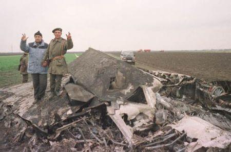 Olupina nevidljivog F-117 u blizini Buđanovaca 1999.