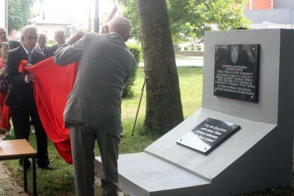 Otkrivanje spomen ploče solunskim dobrovoljcima u Modriči