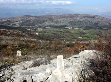 Pogled na Beri i Lješkopolje sa mjesta gdje je u Krusima ubijen i spaljen Mahmut-paša