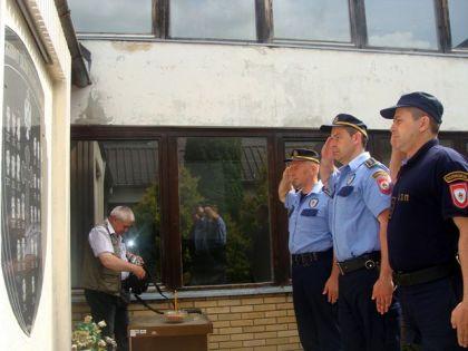 Polaganje vijenaca stradalim policajcima u Mrkonjić Gradu