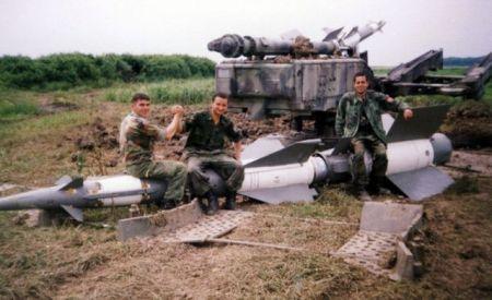 Pripadnici trećeg diviziona 250 raketne brigade 1999. godine