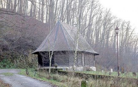 Stara crkva u selu Rudovci