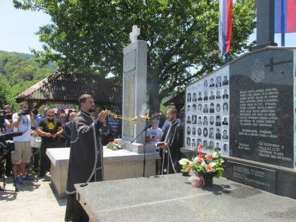 Služen parastos stradalim Srbima na Zalazju kod Srebrenice