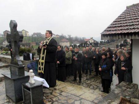Služen parastos u Bratuncu poginulim Srbima iz Sarajeva