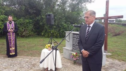 Služen parastos za stradale Srbe iz Broda