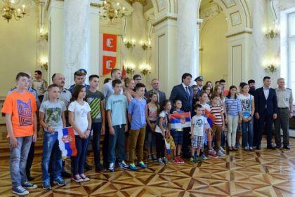 Srpska djeca iz Hrvatske u posjeti Ministarstvu odbrane Republike Srbije