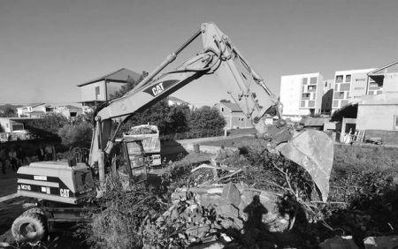 Уклањање минираних српских кућа у Задру