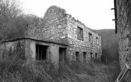 Zapaljena srpska kuća u Oluji