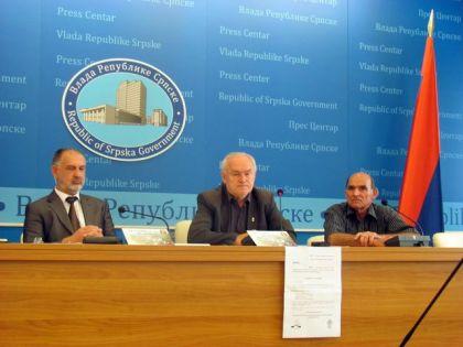 Zoran Blagojević, Nedeljko Mitrović i Zdravko Jorgić na koferenciji za novinare