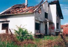 OGNjIŠTA U ZGARIŠTU: Srbi su morali da ostave svoja ognjišta i spašavaju goli život
